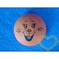 Hnědý vatový piškot ø 3,2 cm s tiskem - zajíc