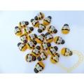 Včela dřevěná nalepovací - velikost 2,1 cm - 24 ks