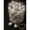 Bílá žíhaná plastová vajíčka 2 cm - sada 96 kusů