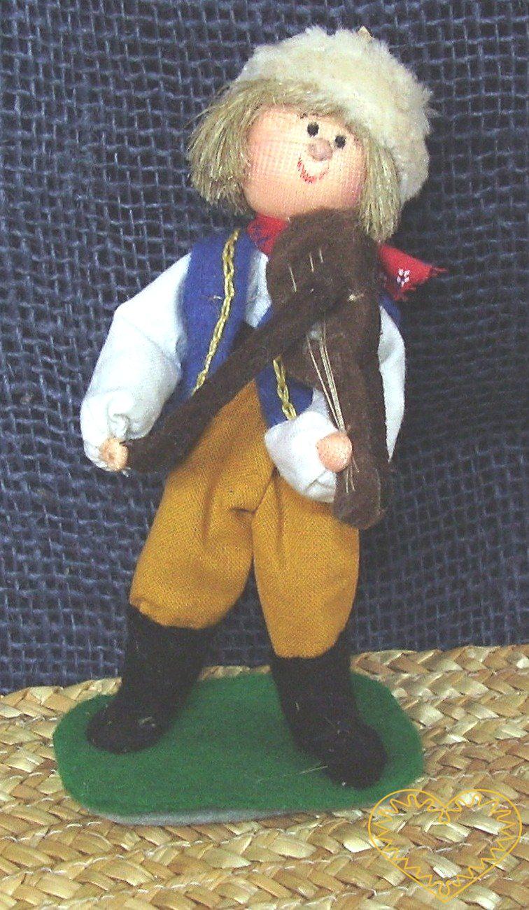 Houslista s houslemi - textilní figurka v prácheňském lidovém kroji, vysoká cca 12 cm. Malebný suvenýr čerpající z tradiční lidové kultury.