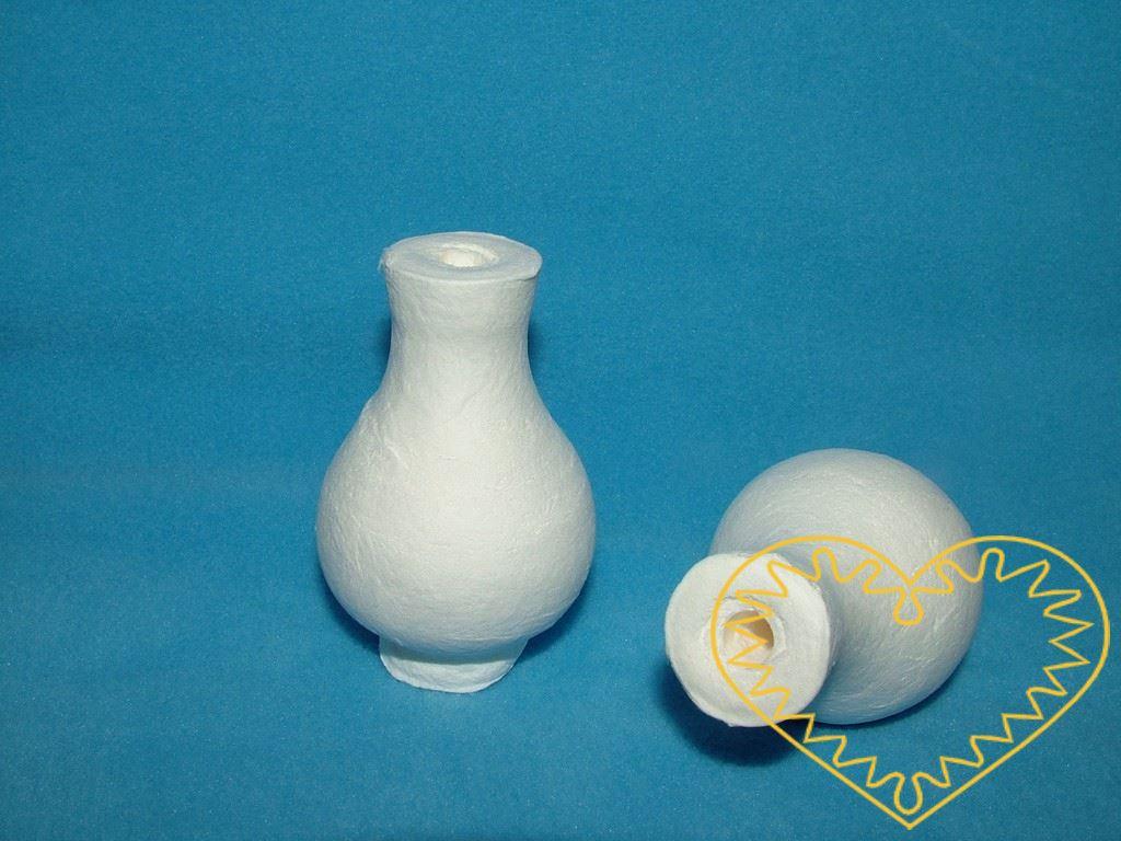 Bílá vatová váza - výška 5,5 cm, ø 3,8 cm - sada 5 ks.Vhodná k přípravě dekorací, aranžování a dalšímu tvoření. Najde uplatnění i jako doplněk interiérů pokojíčků pro panenky.