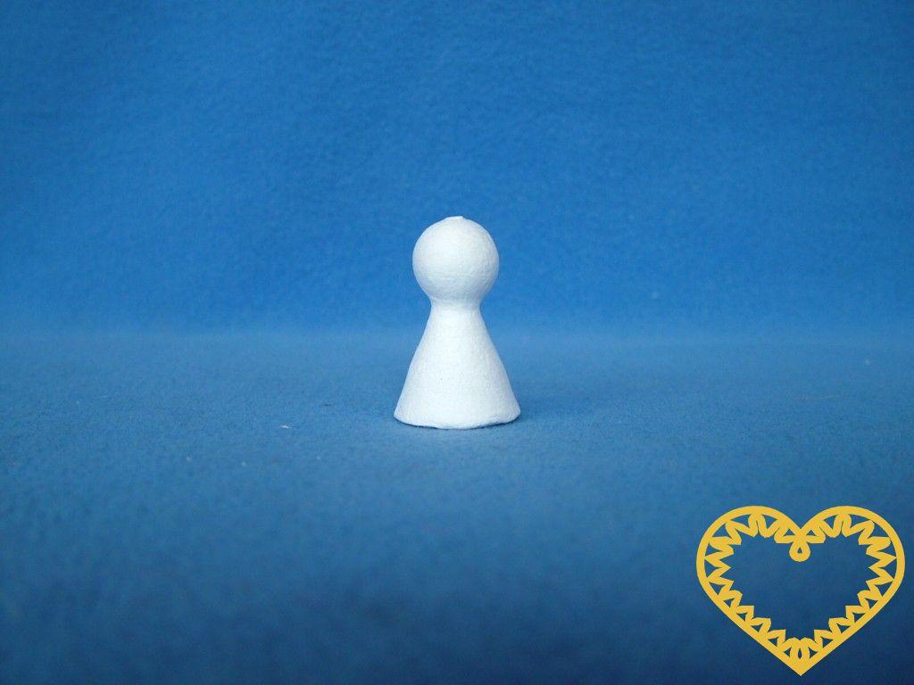 Malá bílá figurka / kuželka (23 x 35 mm) z buničité vaty - sada 20 kusů. Vhodné k výrobě postaviček, panenek, panáčků, hracích figurek či loutek, k přípravě dekorací, aranžování, tvoření s dětmi. Z tohoto tvaru lze vytvořit i originální figurky do rů
