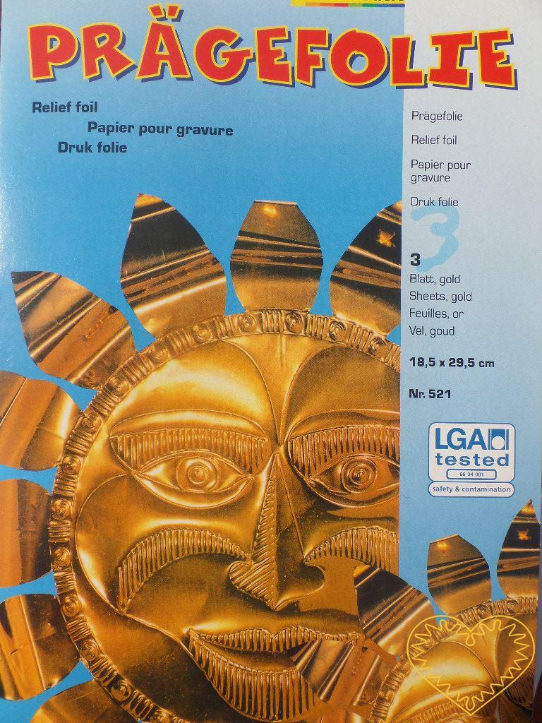 Reliéfní folie barva zlatá, rozměr 290 x 185 mm - 3 ks. Vhodná na vytváření reliéfů, rytí a další výtvarné techniky. Dá se též nalepovat. Reliéfy je vhodné vytvářet na polystyrenové destičce.