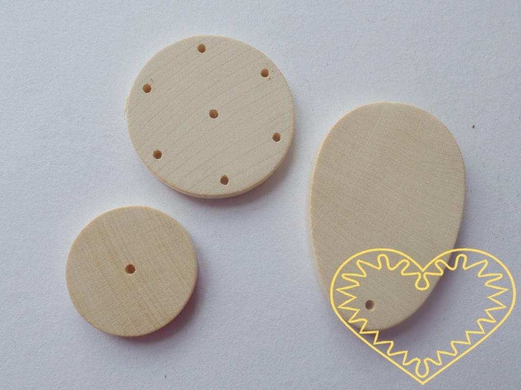 """Dřevěná sada na výrobu zvonkohry. Sada obsahuje 3 části. Dřevěné kolečko s jedním otvorem na provlečení závěsného očka, dřevěné kolečko s 6 otvory po obvodu na zavěšení zvonících tyčinek a s 1 otvorem uprostřed pro provlečení """"zvonící šňůrky"""", d"""