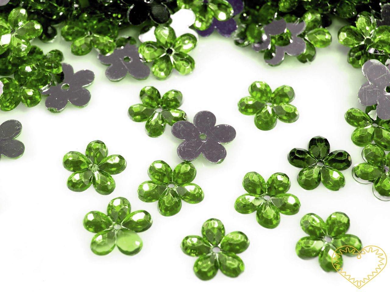 Našívací kytičky zelené Ø 11 mm -20 ks. Vhodné k dekorování tašek, kabelek, triček, klobouků, čepic, bot, bytového textilu, při výrobě maňásků, panenek, přáníček ad.