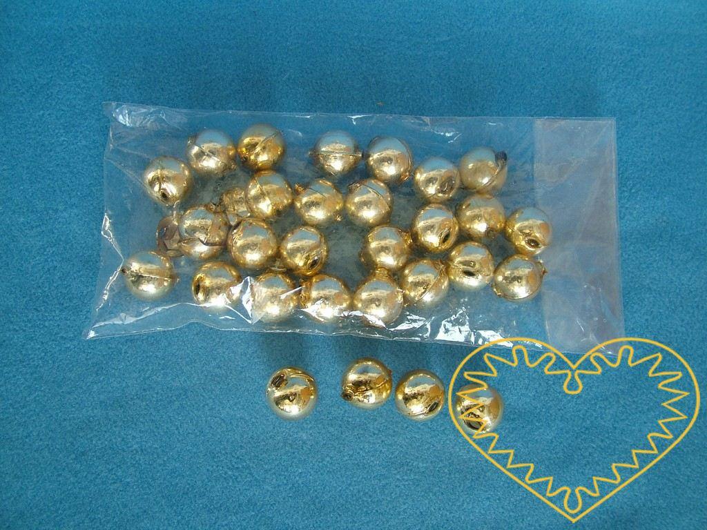 Zlaté skleněné perly ø 2 cm. Uvnitř jsou perly duté, dají se navlékat na šňůrku. Vhodné pro vytváření slavnostních dekrací, navlékání, ale i jako hlavičky pro trojrozměrné např. paličkované panenky.