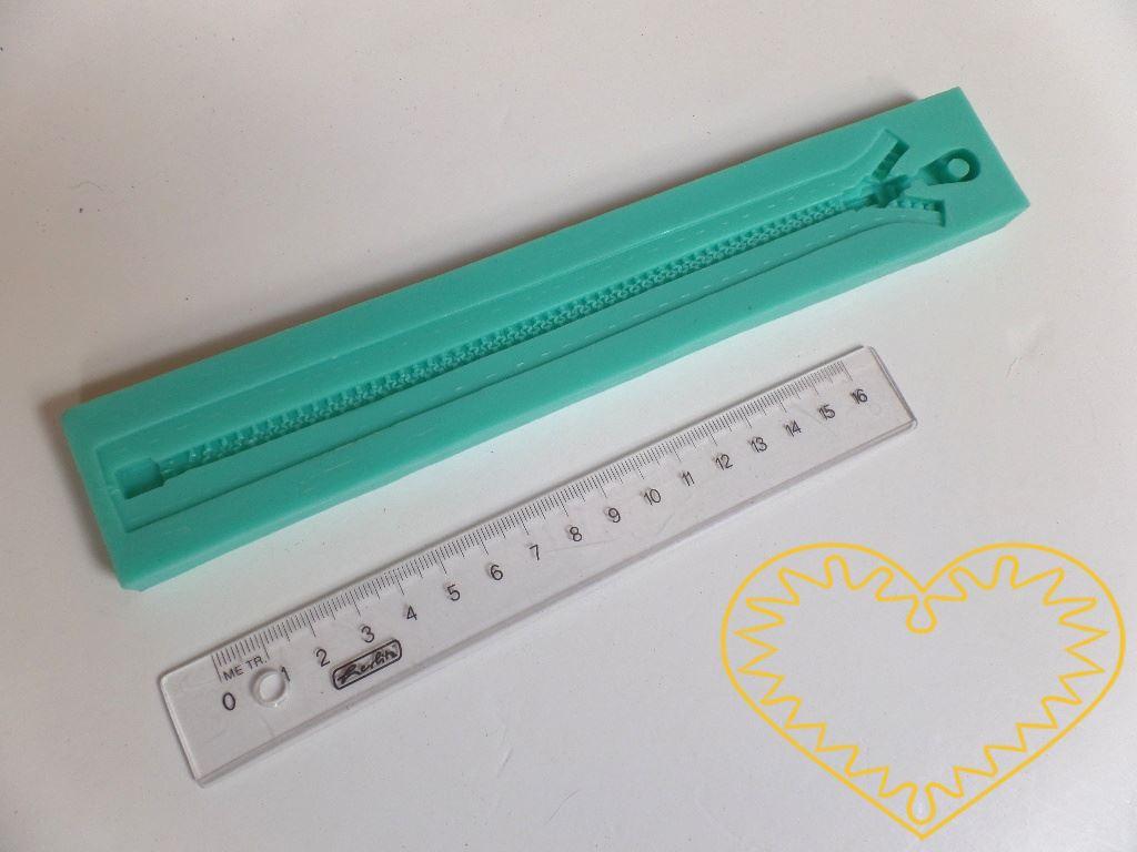 Zip - silikonová forma na mýdlo pro domácí výrobu mýdla z glycerínových mýdlových hmot i při metodě za studena. Dále při výrobě svíček, sádrových a pryskyřicových odlitků, šperků apod.