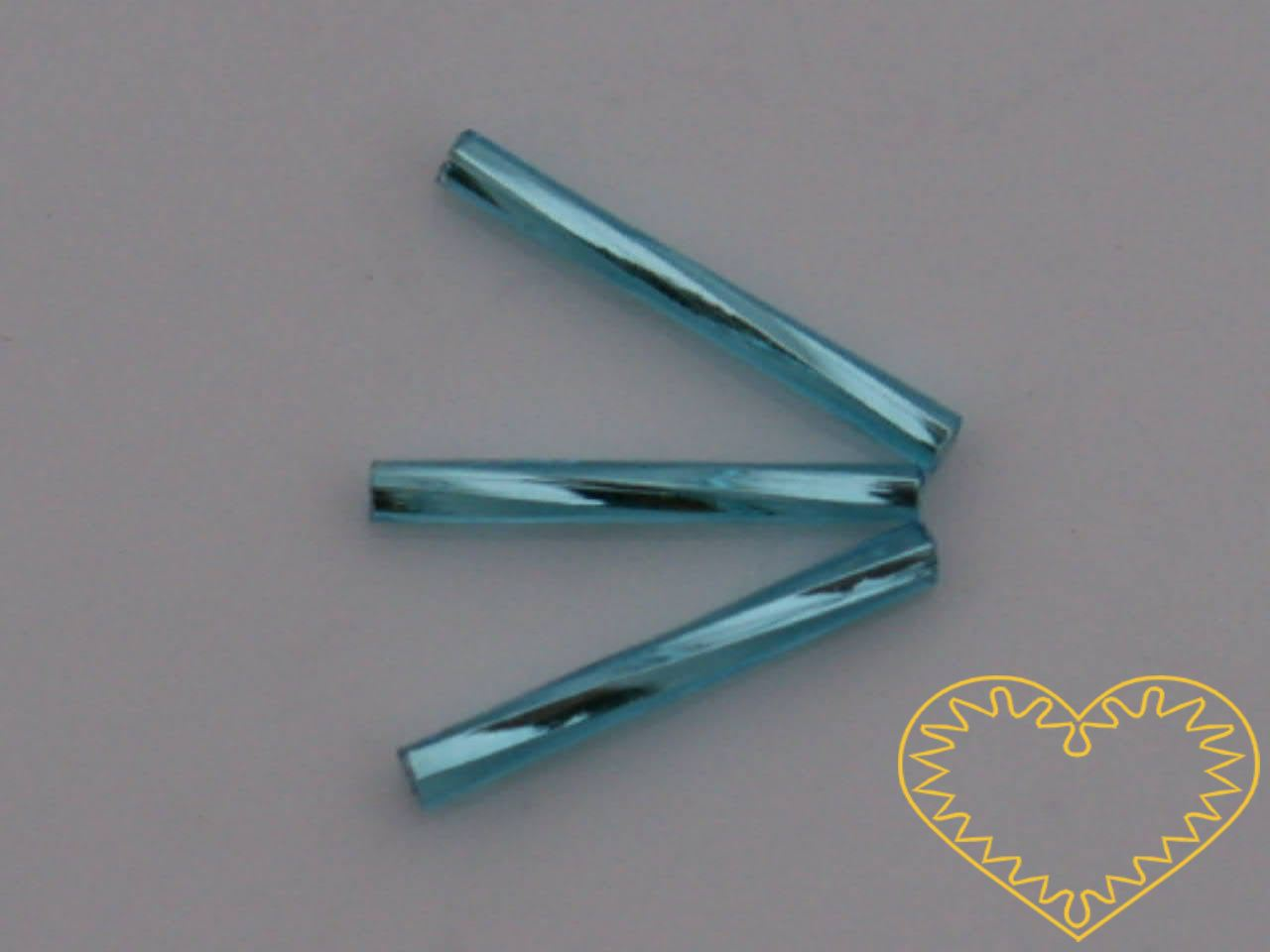 Rokajl - světle modré kroucené čípky délky cca 2 cm, s průtahem, balení 20 g. Vhodné na výrobu šperků i vánočních ozdob.