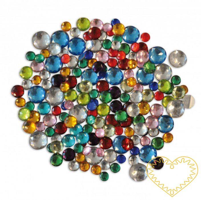 Barevné plastové kamínky se samolepem - 150 ks. Různobarevné plastové kamínky ve tvaru koleček, čtverečků, srdíček a hvězdiček, na rubové straně samolepící fólie. Lze použít k dekoracím a aranžování.