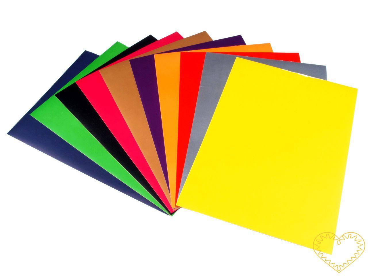 Samolepící barevný papír - sada 10 ks různobarevných papírů rozměru 21 x 29 cm. Je o něco silnější než běžný barevný papír. Samolepící papír o této tloušťce se dobře stříhá ozdobnými nůžkami a snadno jej vložíte i do raznice. Vhodné pro scrapbooking,
