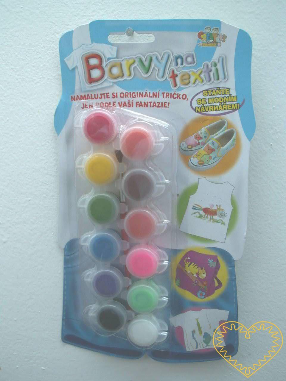 Barvy na textil - sada 12 barevných 3 ml kalíšků a štětec. Tyto barvy jsou určené zvláště pro malování na světlé podklady - trička, boty, tašky apod. Barvy lze vzájemně míchat, lze je prát na 30°C.