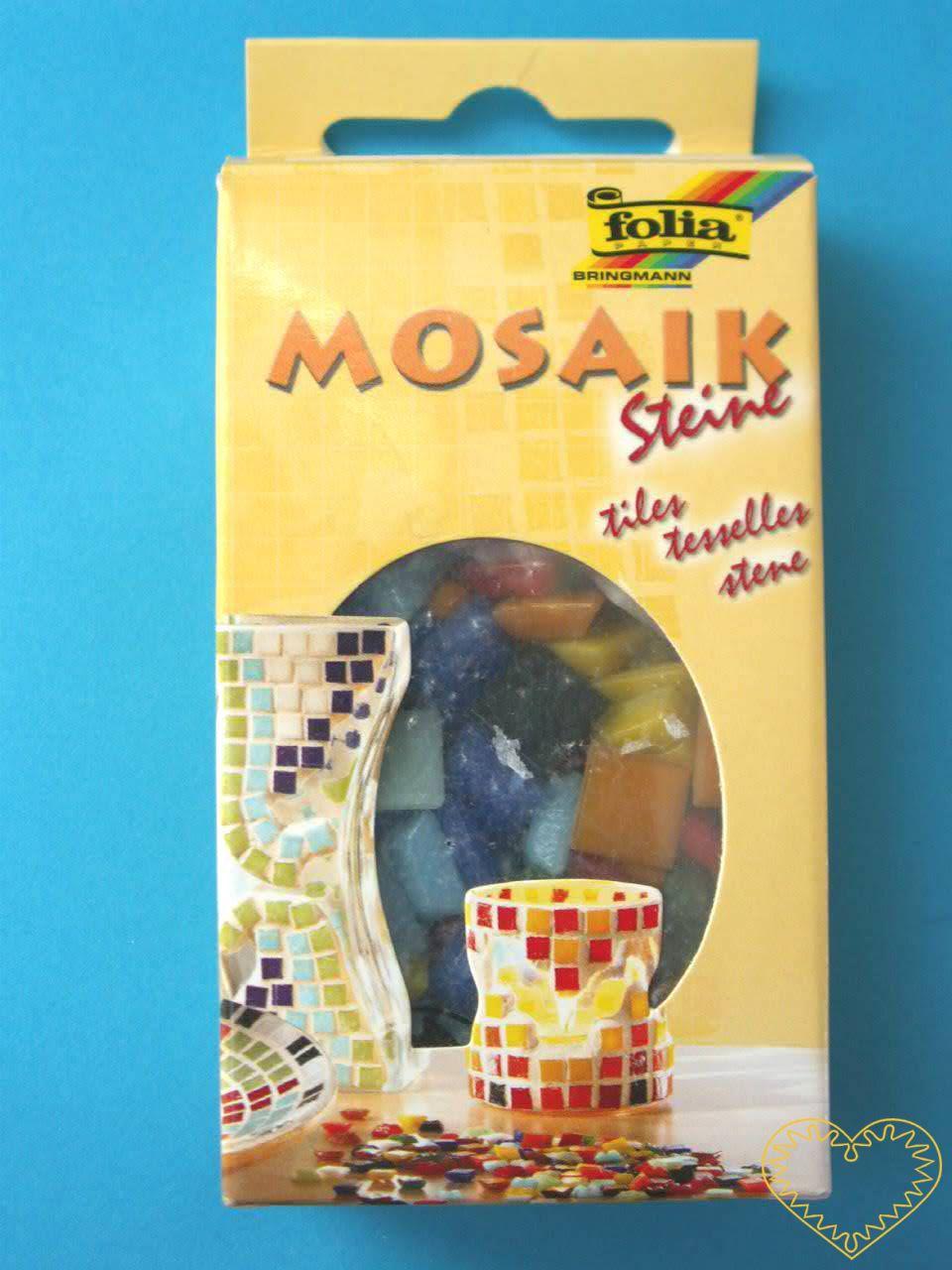 Barevná skleněná mozaika - 2 x 2 cm. Sada obsahuje 70 skleněných čtverečků o velikosti 2 cm x 2 cm, v 10 barvách. Hmotnost balení je 200 g. Pomocí těchto skleněných čtverčků lze vytvořit krásnou mozaiku např. na tác, keramickou misku, vázičku či sedá
