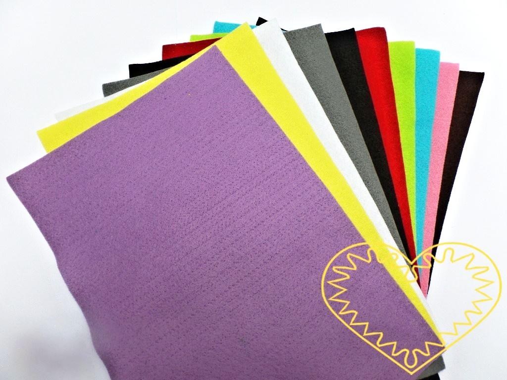 Plsť sada č. 2 - filc dekorační - 10 barev. Vhodné k výrobě aplikací, přáníček, výseků a výřezů, k vytváření figurek, maňásků či různých dekorací.