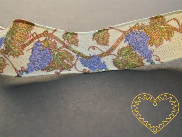 Stuha pro milovníky vína - textilní, tištěná, adjustační - šíře 25 mm. Vhodná k nejrůznějšímu dekorování, aranžování či balení dárků.