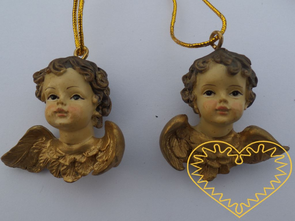 Barokní andělíček s křídly - barvený odlitek s patinou. Může se použít jako vánoční ozdoba nebo přízdoba na vánoční dekorace.