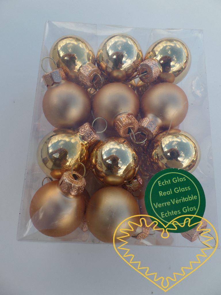Skleněné závěsné koule zlatý mix - 24 ks. Každá koule ø 2,5 cm má kovové očko k zavěšení. To umožňuje koule různě aranžovat, zavěšovat či uivazovat. Materiál vhodný k tvorbě adventních a vánočních dekorací, věnců, svícnů apod. cena je uvedena za celé