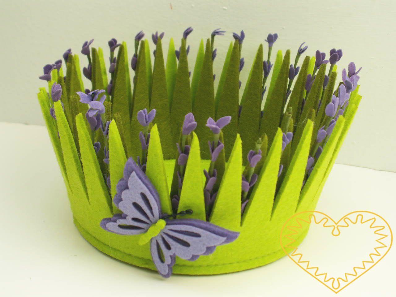 Ozdobný aranžovací obal z plsti. Buď jej lze použít na květináč, nebo jako základ k vytváření různých květinových či ovocných aranžmá.
