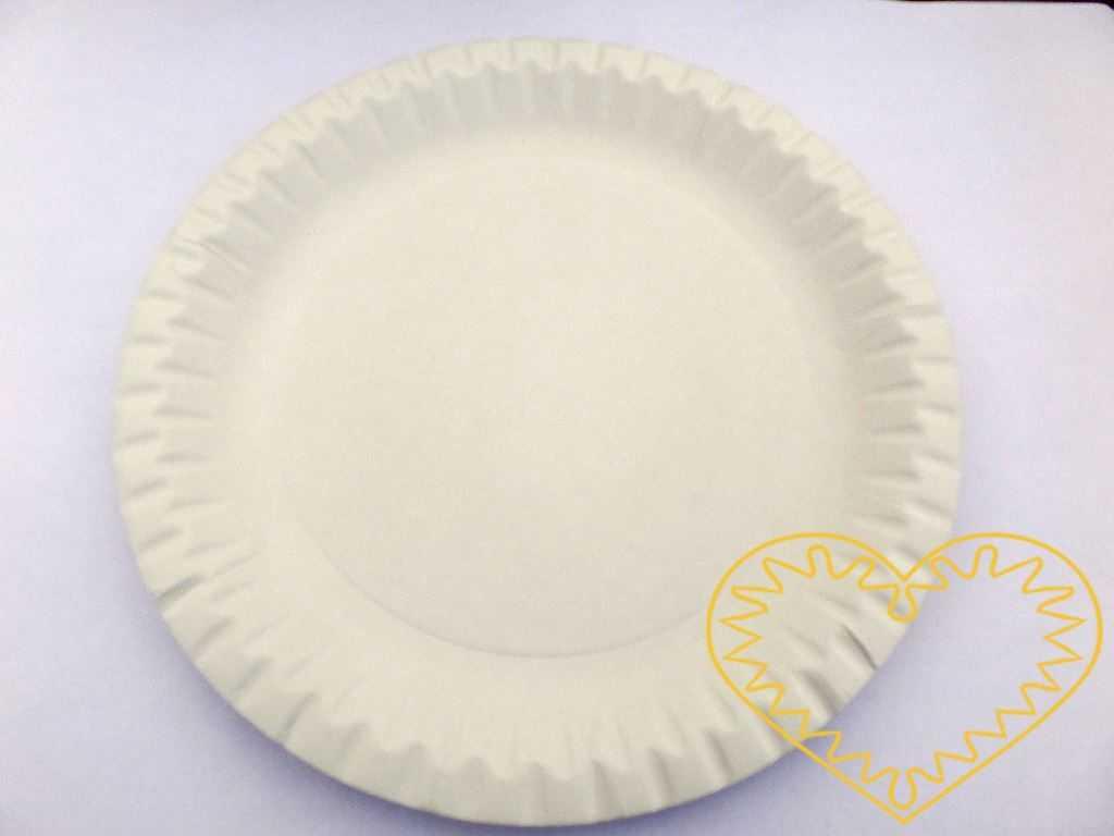 Bílý mělký papírový talíř průměr 15 cm - 10 ks. Talíř lze použít jak na pokrmy, tak na výtvarné tvoření. Snadno se vymaluje či se na něj lepí nejrůznější věci a pak se může pověsit na stěnu. Lze z něj vystřihnout i papírové masky.