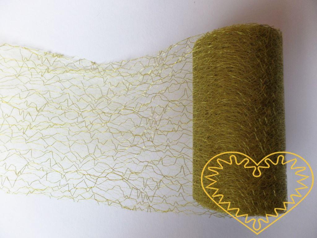 Zelená pavučina - spider organza - šíře 9,5 cm, délka 9,14 m. Dekorační textilie je jemná látka, která vypadá jako pavučina. Velkou výhodou je, že se netřepí a snadno stříhá. Lze použít i na dekoraci židlí ke slavnostní tabuli.
