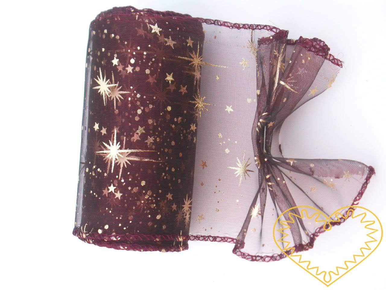 Organza bordó se zlatými hvězdičkami - šíře 10 cm, délka9,14 m, z obou stran obroubená. Organza má široké využítí - k dekoračním účelům, k šití, do květinových aranžmá, pro výzdobu slavnostní tabule, k balení dárků, jako mašle, na výrobu broží i dalš