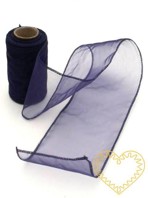 Organza tmavě modrá švestková - šíře 8 cm, délka 9,14 m, obroubená z obou stran. Organza má široké využítí - k dekoračním účelům, k šití, do květinových aranžmá, pro výzdobu slavnostní tabule, k balení dárků, jako mašle, na výrobu broží i dalších ozd