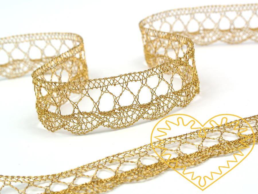 Zlatá krajka strojově paličkovaná - šíře 18 mm. Jemná krajka vhodná ke zdobení a lemování oděvů, bytového textilu ad.