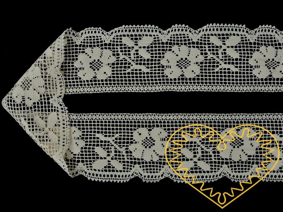 Bavlněná krajka strojově paličkovaná barvy smetanové - šíře 65 mm. Krásně zpracovaná krajka se vzorem růžižek vhodná ke zdobení a lemování oděvů, bytového textilu, dekorování poliček a rustikálních interiérů apod.