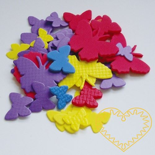 Sada 24 barevných výseků z mechové / pěnové gumy ve tvaru motýlků. Pěkný materiál pro předškolní děti, mateřské školy a děti na prvním stupni. Užívá se pro kreativní tvoření, výrobu dekorací, přáníček, koláží, apod.