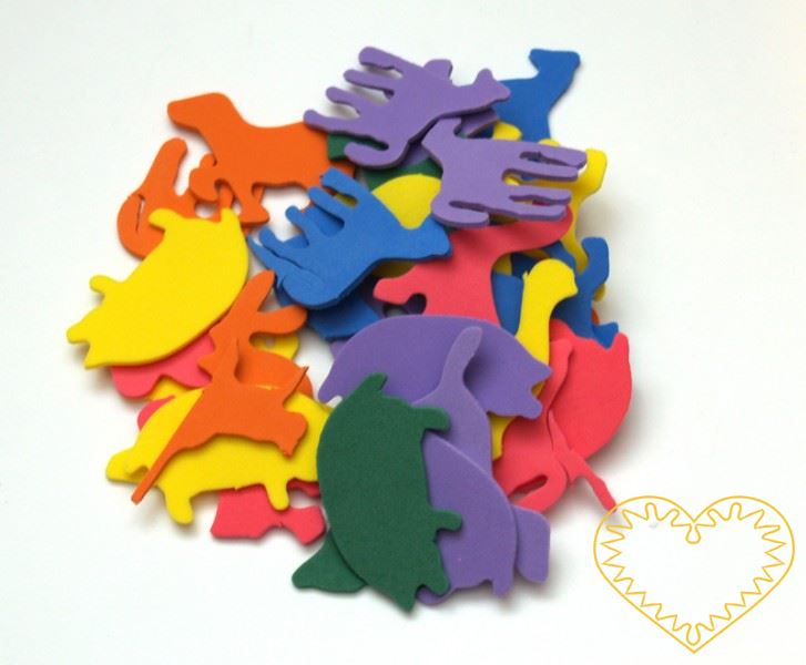 Sada 140 barevných výseků z mechové / pěnové gumy ve tvaru zvířat. Jsou tu koně stojící, klusající, běžící i samotné koňské hlavy a to v různých velikostech. Pěkný materiál pro předškolní děti, mateřské školy a děti na prvním stupni. Užívá se pro kre