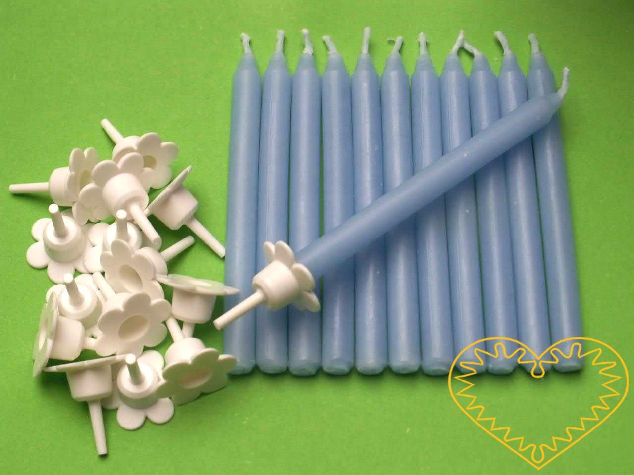Dortové svíčky bez držáčků - sada 15 kusů. Vhodné nejen na dorty, ale i na tvorbu různých menších aranžmá. Skladem jsou bílé, růžové a modré.